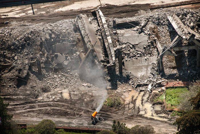 Doyle Drive demolition dust control