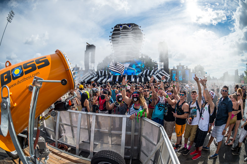 KoolBoss Mist Providing Crowd Cooling at Electric Zoo Festival