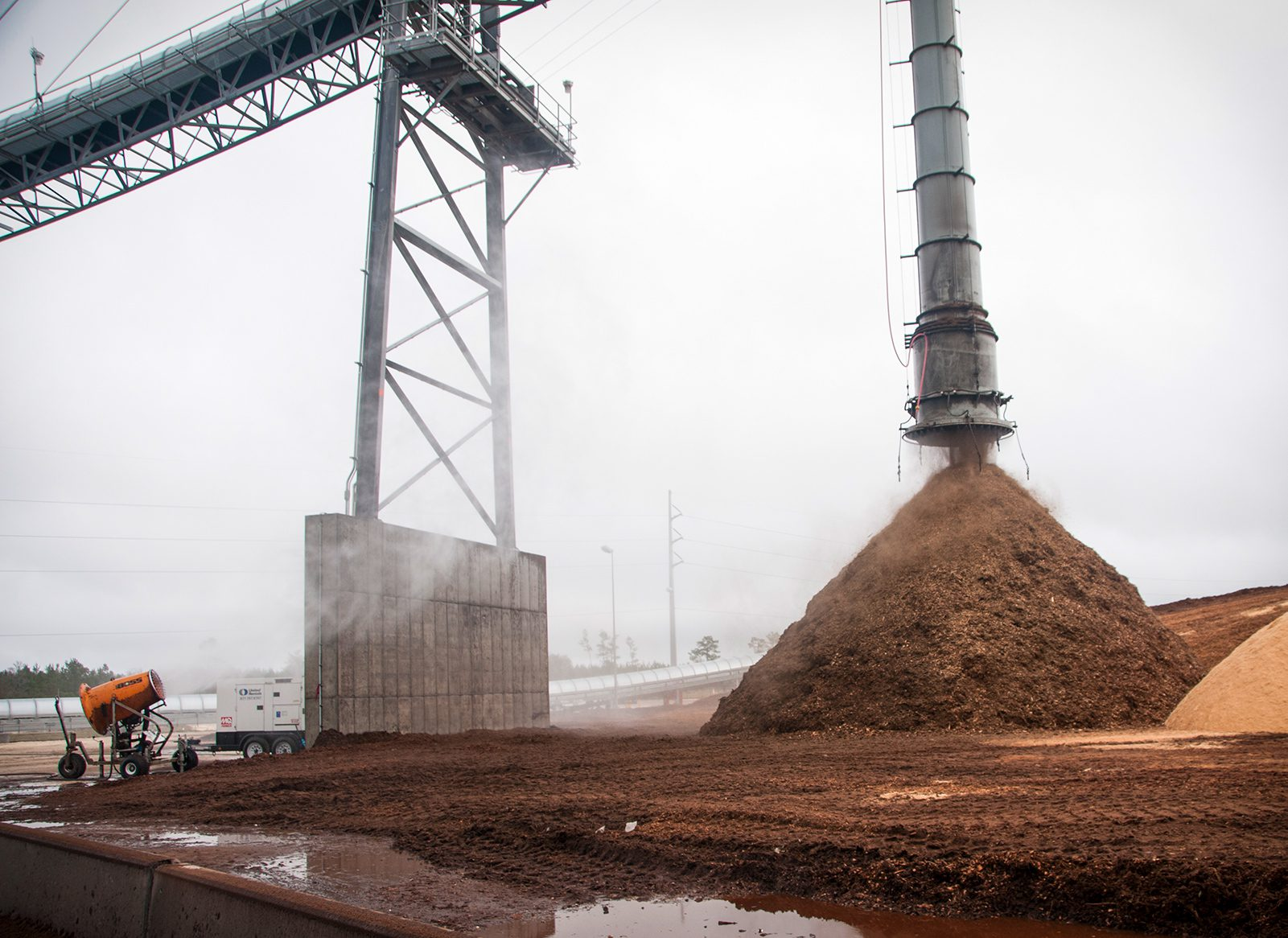 Dust Control for Discharge Chute
